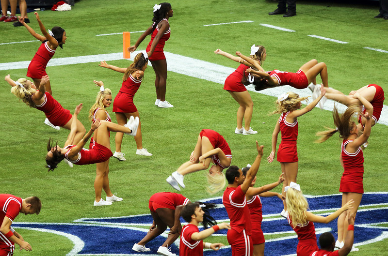 Touchdown.  The UH cheerleaders celebrate.