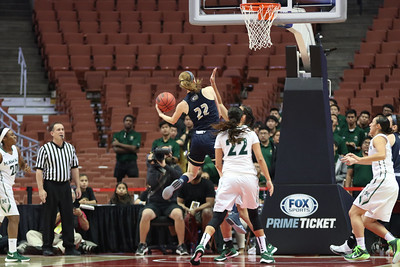 The UH Wahine basketball team defeats UC Davis, 78-59, and captures the championship of the 2016 Big West Tournament at the Honda Center, Anaheim, CA on March 12, 2016. Photo: Brandon Flores.
