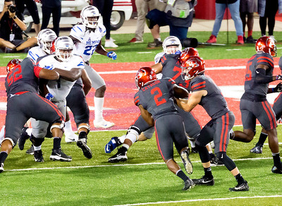 Catalon rushes for another UH touchdown ...