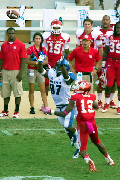 Bates breaks up a pass to Memphis receiver Jones.