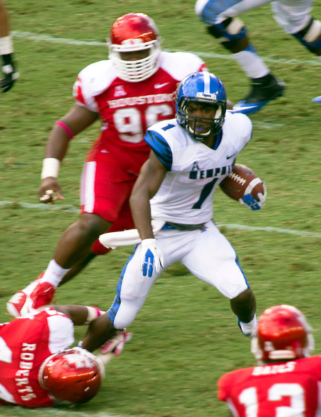 Warford carries for Memphis.