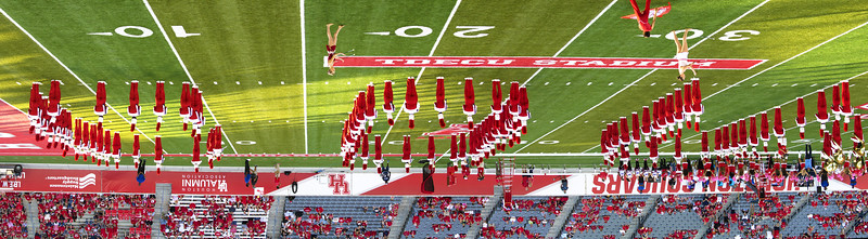 See?  The Band spells out COUgars!  (Upside down and backward on our side of the stadium)