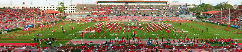 Panorama of the UH marching band