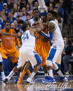 UK players tie up with Tennessee during the second half of the UK vs. Tennessee basketball game at Rupp Arena on Tuesday, Jan. 15, 2013. Photo by Adam Chaffins | Staff