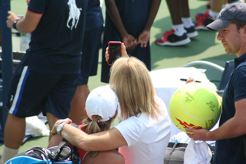 Lisa's former partner Rennae Stubbs came to take a selfie - Lisa's last U.S. Open :(