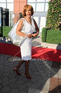 Gayle King photo  by Rob Rich © 2010 robwayne1@aol.com 516-676-3939