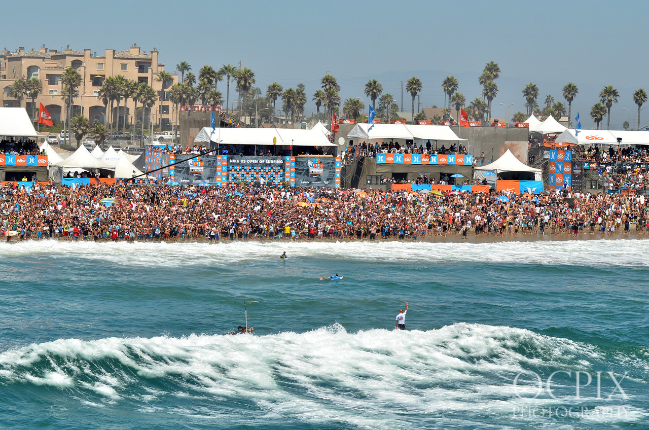 Kelly Slater wins the 2011 Nike US Open of Surfing