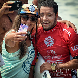 Adriano De Souza with fans at the 2016 US Open of Surfing