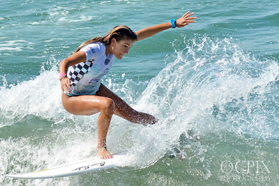 Eva Woodland at the 2018 US Open of Surfing