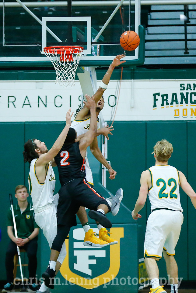 1/14/17: USF MBB vs Pacific Tigers at War Memorial Gymnasium in San Francisco, CA. Dons win 72-51. Image by Chris M. Leung