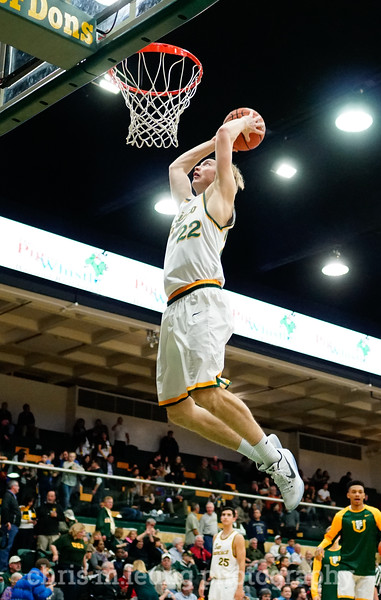 2/2/17: USF MBB vs Pepperdine at War Memorial Gymnasium in San Francisco, CA. Dons win 77-56. San Francisco Dons forward Chase Foster (22). Image by Chris M. Leung