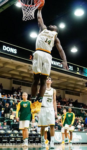 2/2/17: USF MBB vs Pepperdine at War Memorial Gymnasium in San Francisco, CA. Dons win 77-56. San Francisco Dons guard Charles Minlend (14). Image by Chris M. Leung