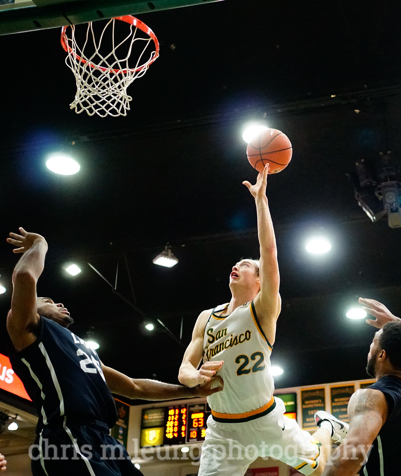 2/4/17: USF MBB vs LMU at the War Memorial Gymnasium in San Francisco, CA. Dons win 74-64. San Francisco Dons forward Chase Foster (22). Image by Chris M. Leung for USF Dons Athletics
