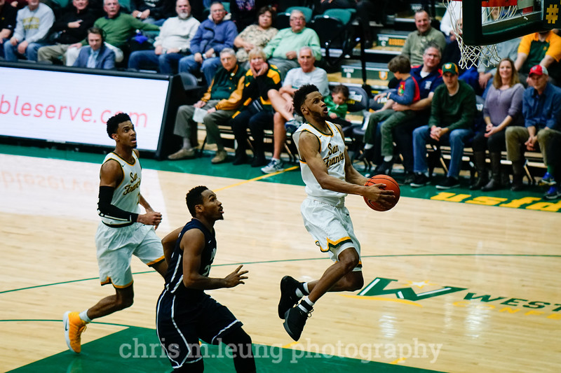 2/4/17: USF MBB vs LMU at the War Memorial Gymnasium in San Francisco, CA. Dons win 74-64.San Francisco Dons guard Ronnie Boyce (3). Image by Chris M. Leung for USF Dons Athletics