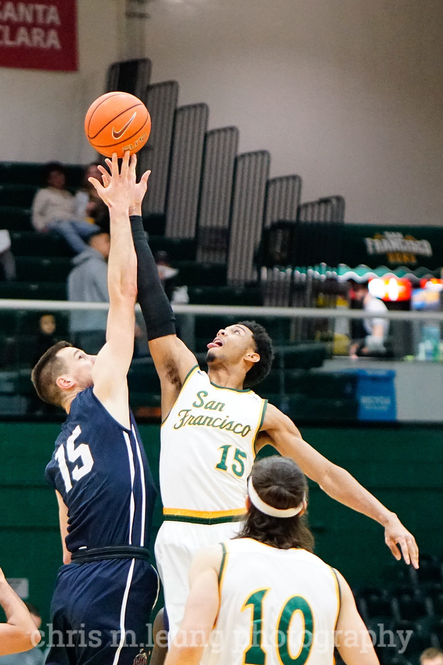 2/4/17: USF MBB vs LMU at the War Memorial Gymnasium in San Francisco, CA. Dons win 74-64.. San Francisco Dons forward Nate Renfro (15). Image by Chris M. Leung for USF Dons Athletics