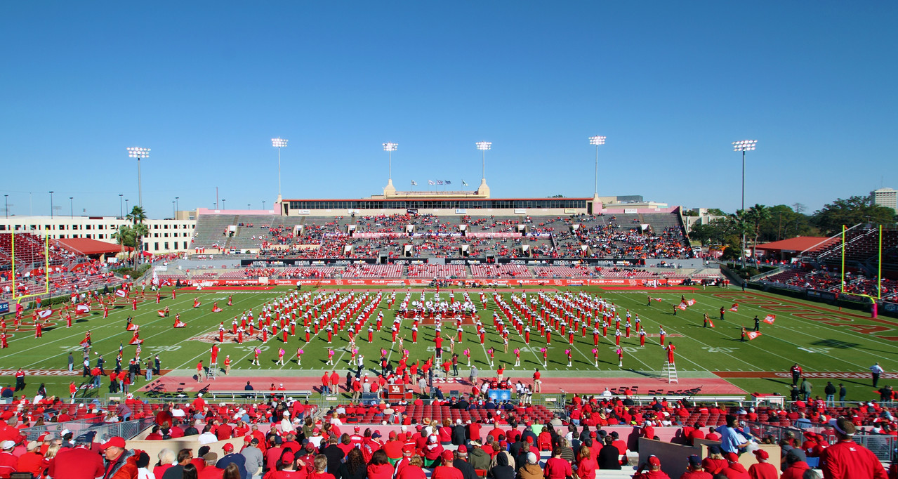 Pre-game: UH marching band in Robertson Stadium