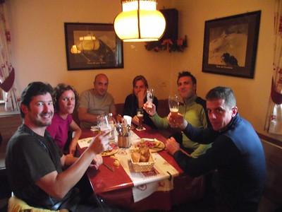 Ugolini BS - Corso Introduzione Alpinismo 2010 - Comportamento su ghiacciaio  (thanks to Stefano Spotti)
