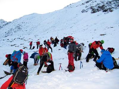 Ugolini BS - Corso Introduzione Alpinismo 2010 - Comportamento su ghiacciaio   (thanks to Massimo)