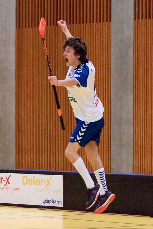 Junioren U18 A 2015/16 - Zug United besiegt Floorball Köniz 9:8 n.V.