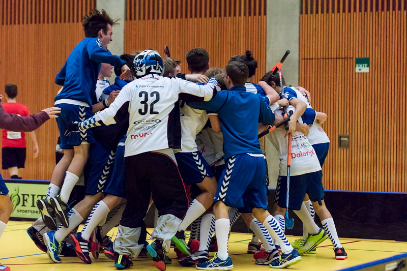 Junioren U18 A 2015/16 - Zug United besiegt Floorball Köniz 9:8 n.V.