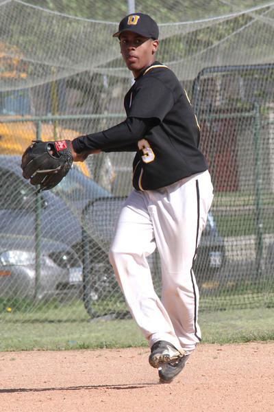 Uniondale HS v Elmont HS 5 10 2011 042
