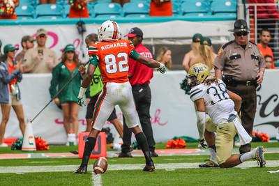 Miami defeated Pitt 51-28