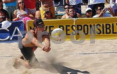 Two Time USA Olympian Sean Rosenthal digs at the Manhattan Beach Open