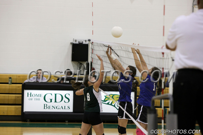 MS_G_Volleyball_092412_JR_115_1