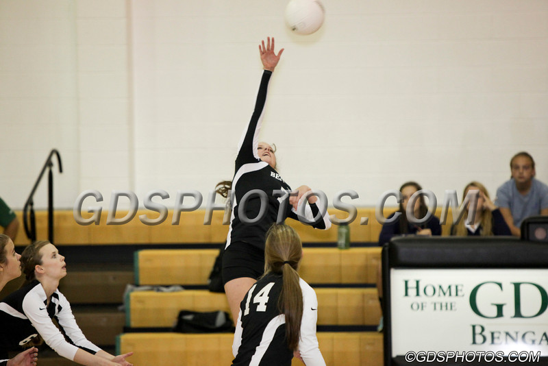 V_G_Volleyball_092412_JR_165_1