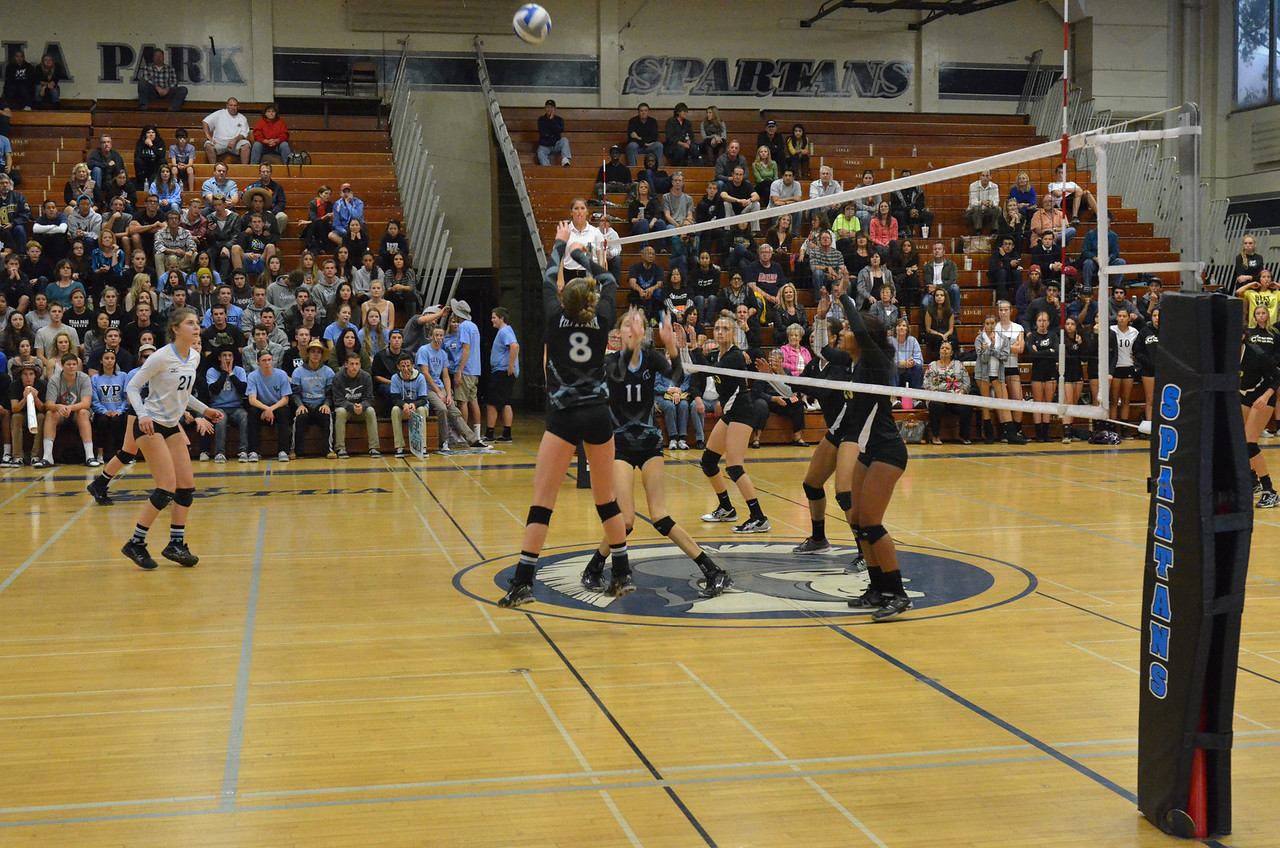 VP_Varsity_Vball_v_Canyon 65