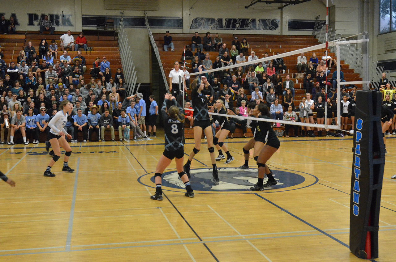 VP_Varsity_Vball_v_Canyon 66