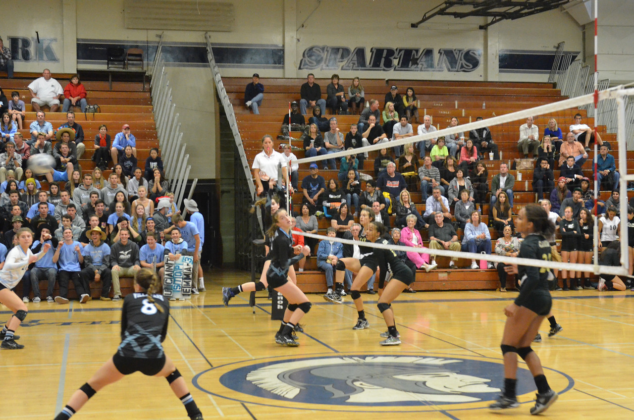 VP_Varsity_Vball_v_Canyon 32