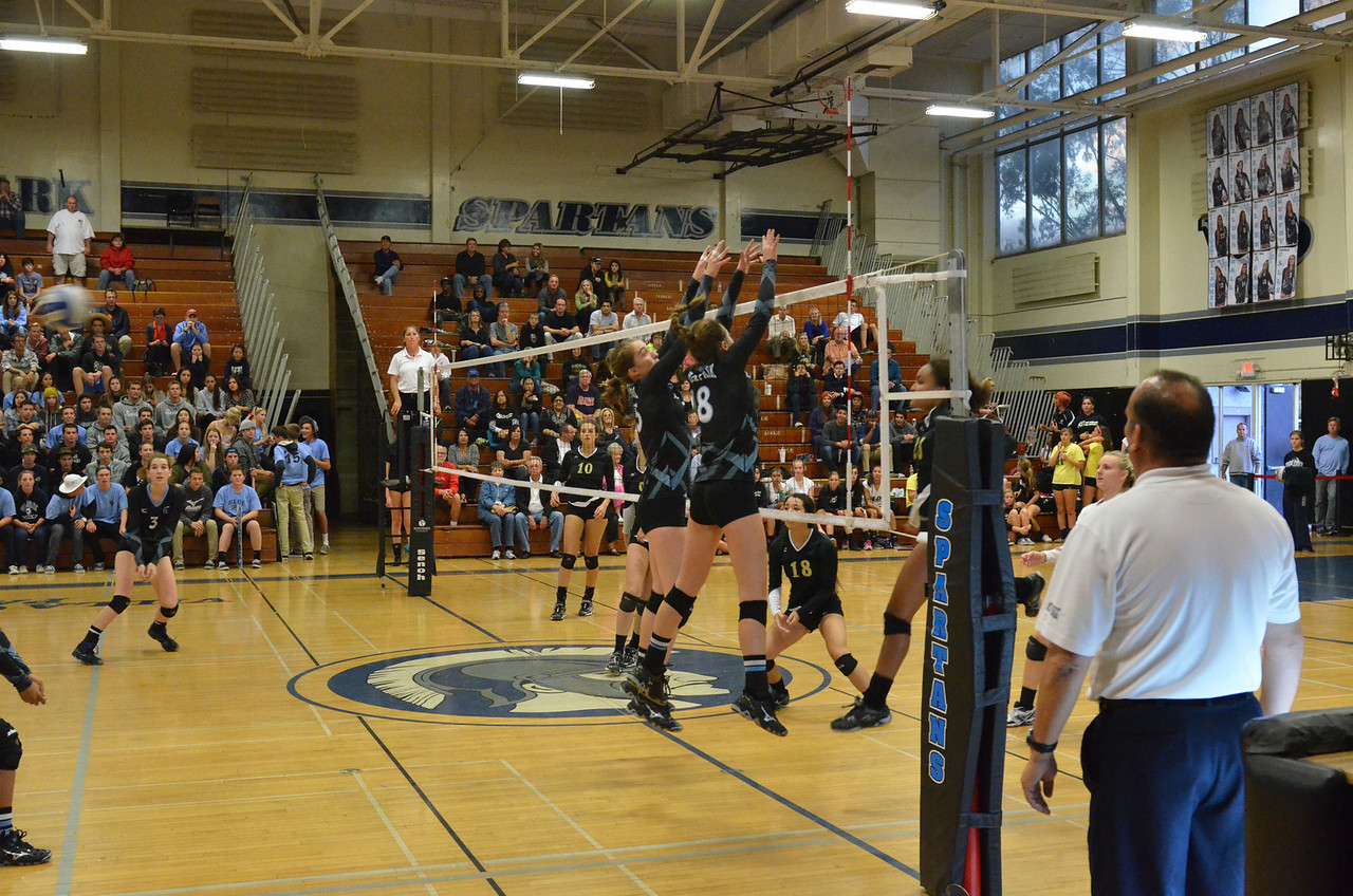 VP_Varsity_Vball_v_Canyon 19