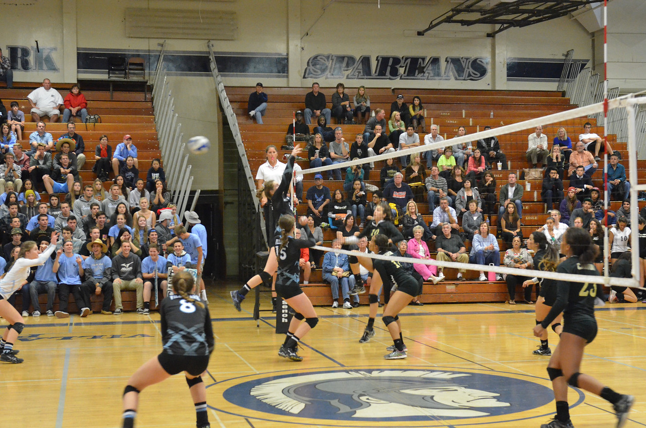 VP_Varsity_Vball_v_Canyon 31