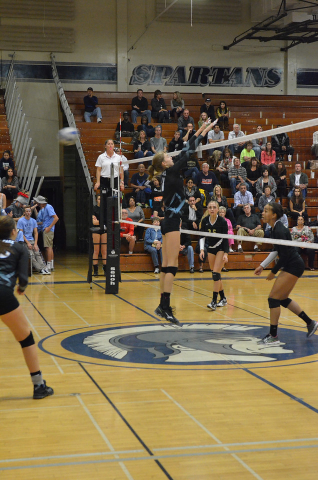 VP_Varsity_Vball_v_Canyon 80