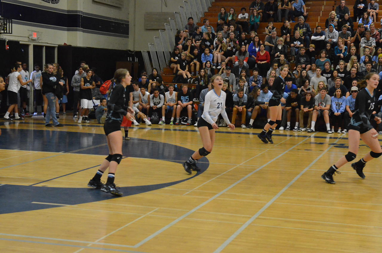 VP_Varsity_Vball_v_Canyon 28