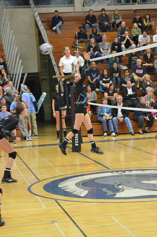 VP_Varsity_Vball_v_Canyon 42