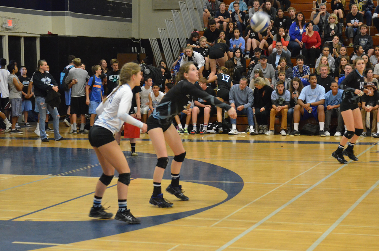 VP_Varsity_Vball_v_Canyon 14