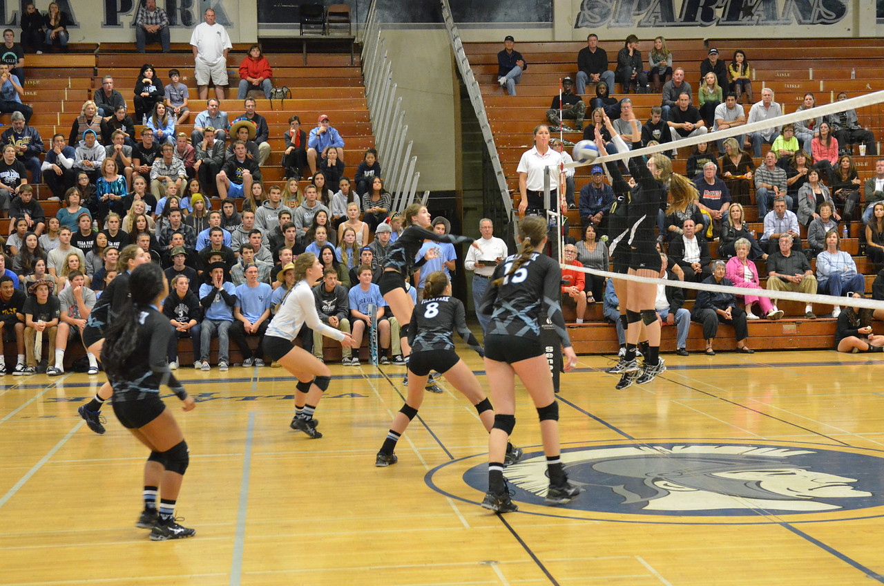 VP_Varsity_Vball_v_Canyon 13