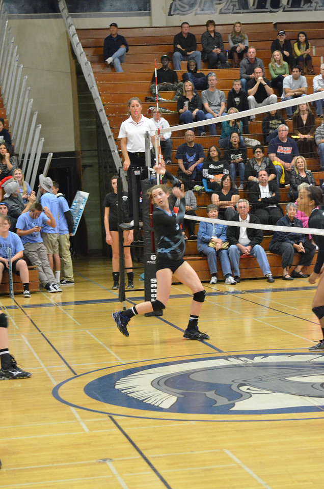 VP_Varsity_Vball_v_Canyon 43