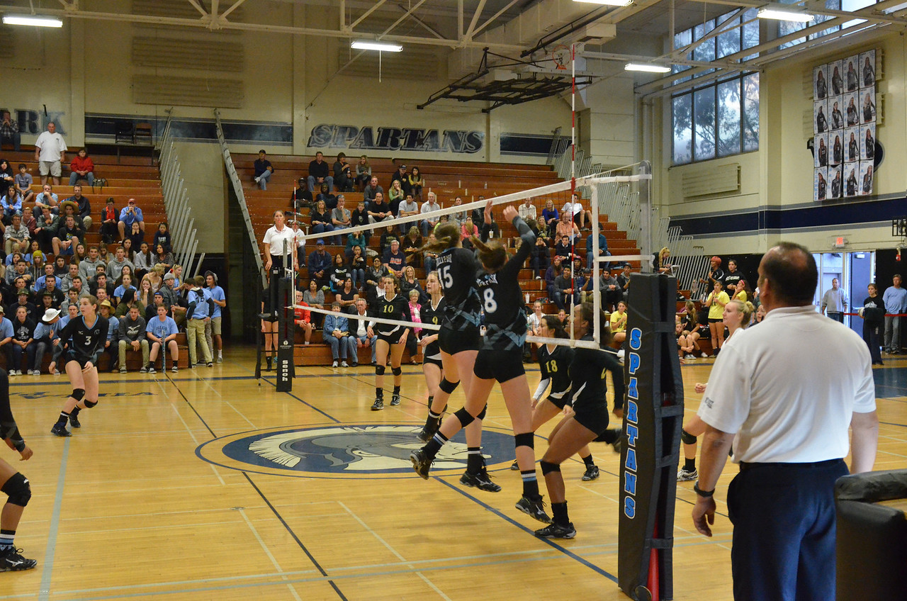 VP_Varsity_Vball_v_Canyon 20