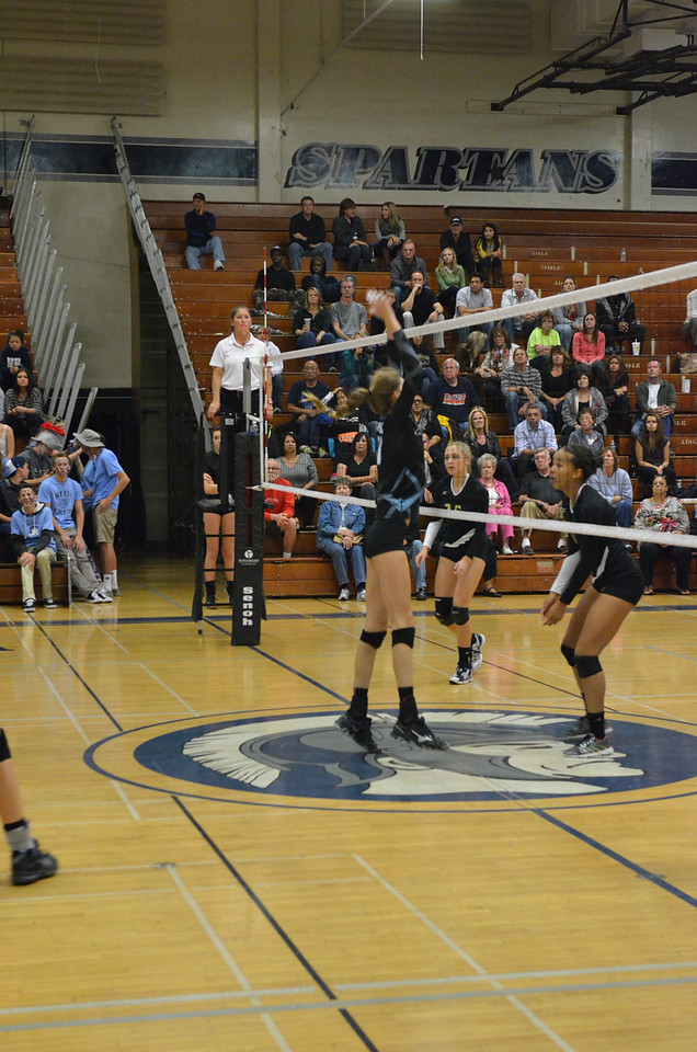 VP_Varsity_Vball_v_Canyon 81