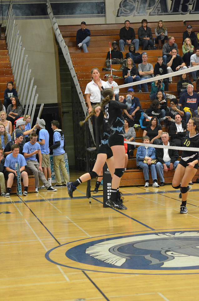 VP_Varsity_Vball_v_Canyon 37
