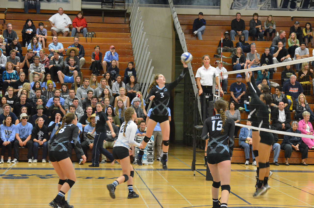 VP_Varsity_Vball_v_Canyon 29