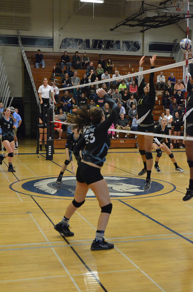 VP_Varsity_Vball_v_Canyon 79