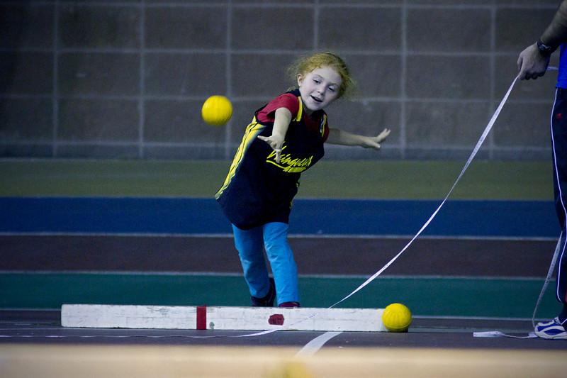 Compétition régionale d'athlétisme (Montréal)<br /> le 14 novembre,  2010<br /> Lancer du poids, Gabi
