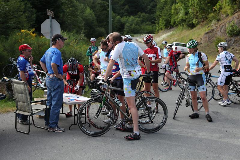 Ian registers riders