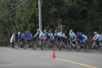 B's start: 20 laps; 20 men, 3 women start; 17 men, 2 women finish.