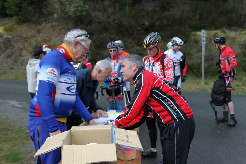 Chris and Bruce register riders - (18 A, 27 B including 6 women)