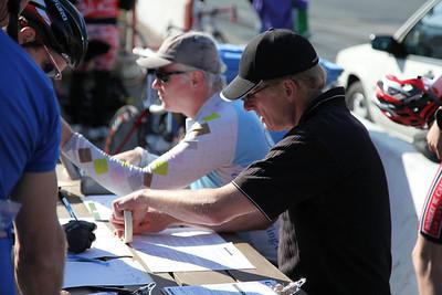 Lister and John register riders